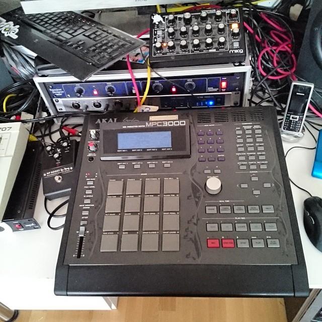 Good studio times ahead!!! #happy #producer #MPC
