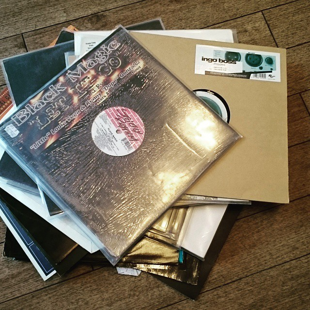 Crate diggin' in Hamburg.. Found some great tunes rangin' from…